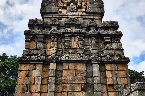 nalanda gedige sri lanka templom