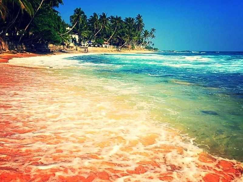 unawatuna beach sri lanka